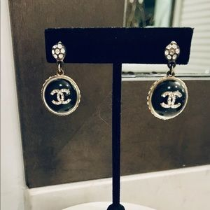 CHANEL VINTAGE DROP EARRINGS